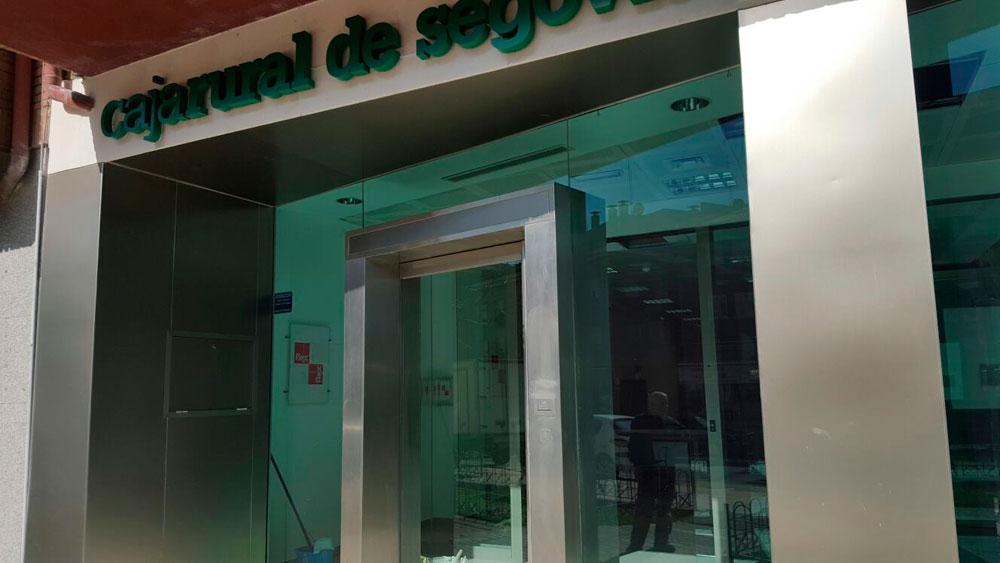 Oficinas instalaciones met licas rinc n for Oficinas caja rural cordoba